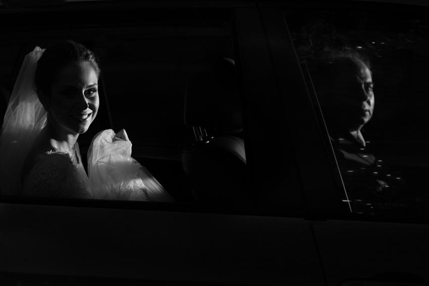 casamento em tiradentes, vila paolucci, vinicius matos, casamento luana e edgard, fotografia de casamento, fotógrafo de casamento, noiva no carro